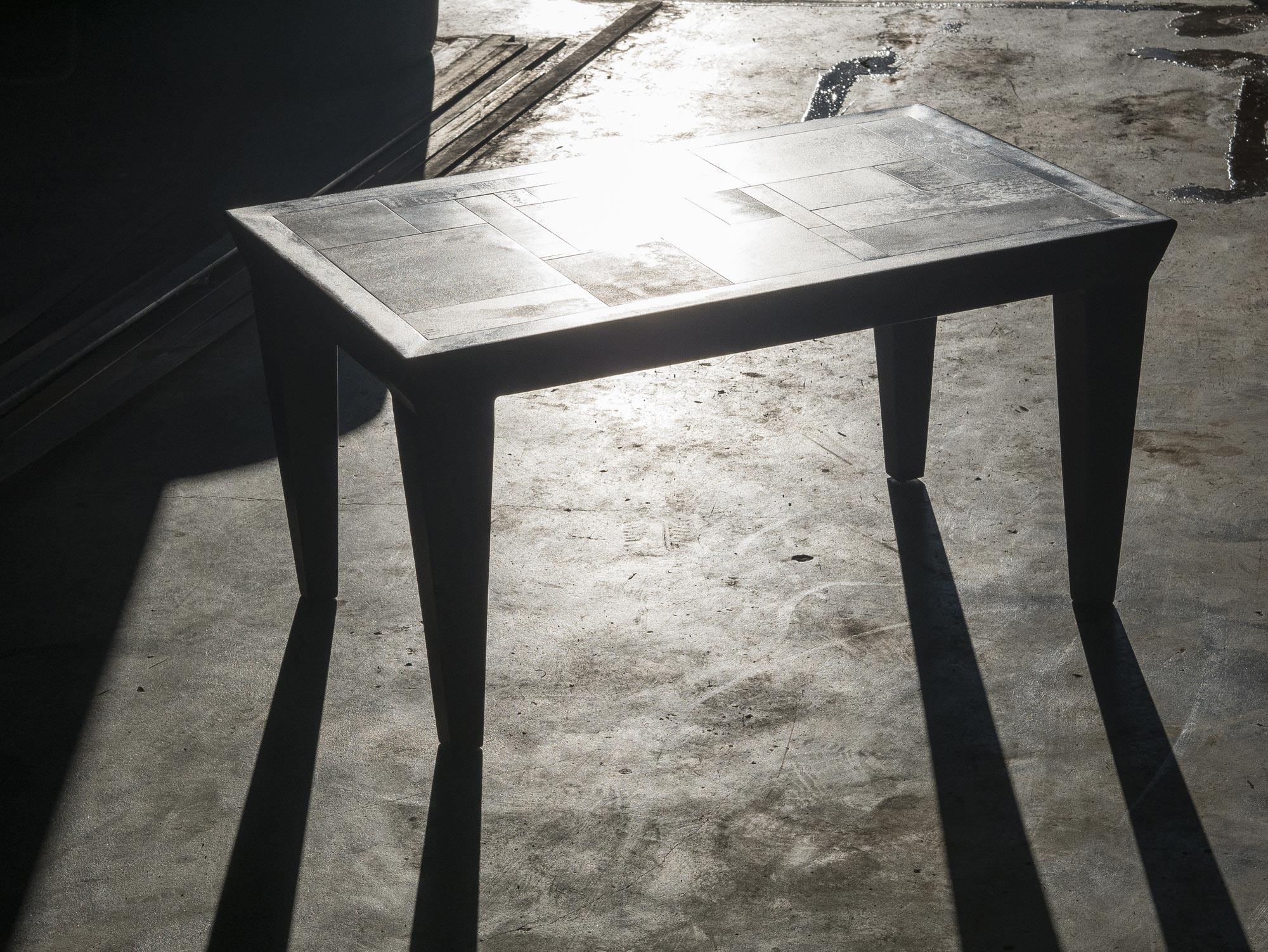 table-basse-metal-marc-bedikian-ombre-lumiere